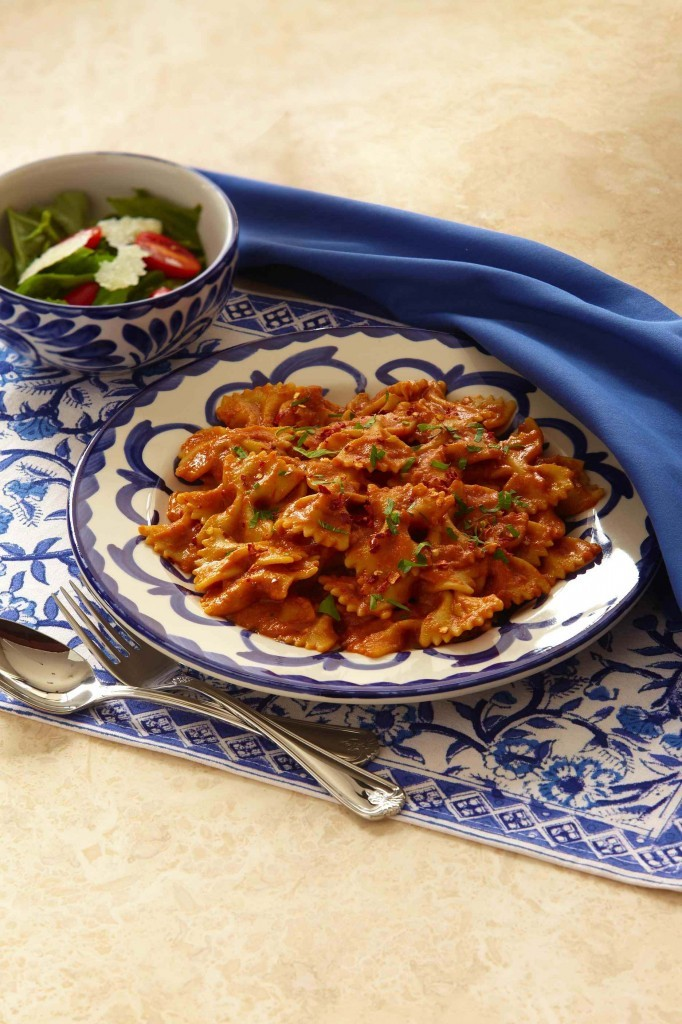 Rotini with Tomato Pesto