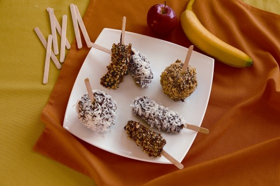 Chocolate Dipped Fruit Pops