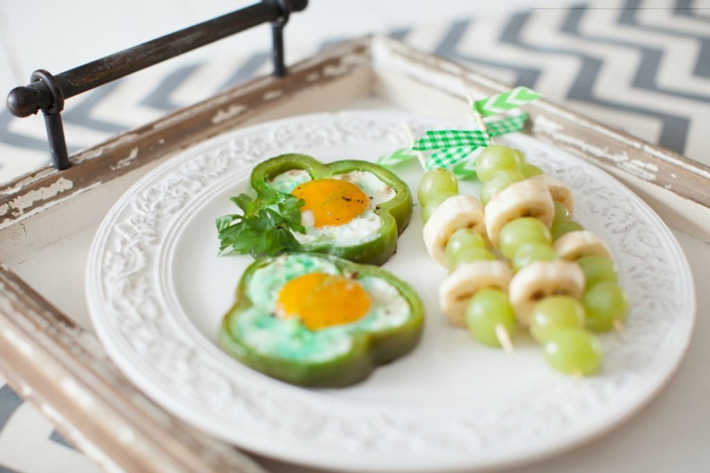 St. Patricks Day-Green-Bell-Bell-Peppers-eggs-Dinner4Two