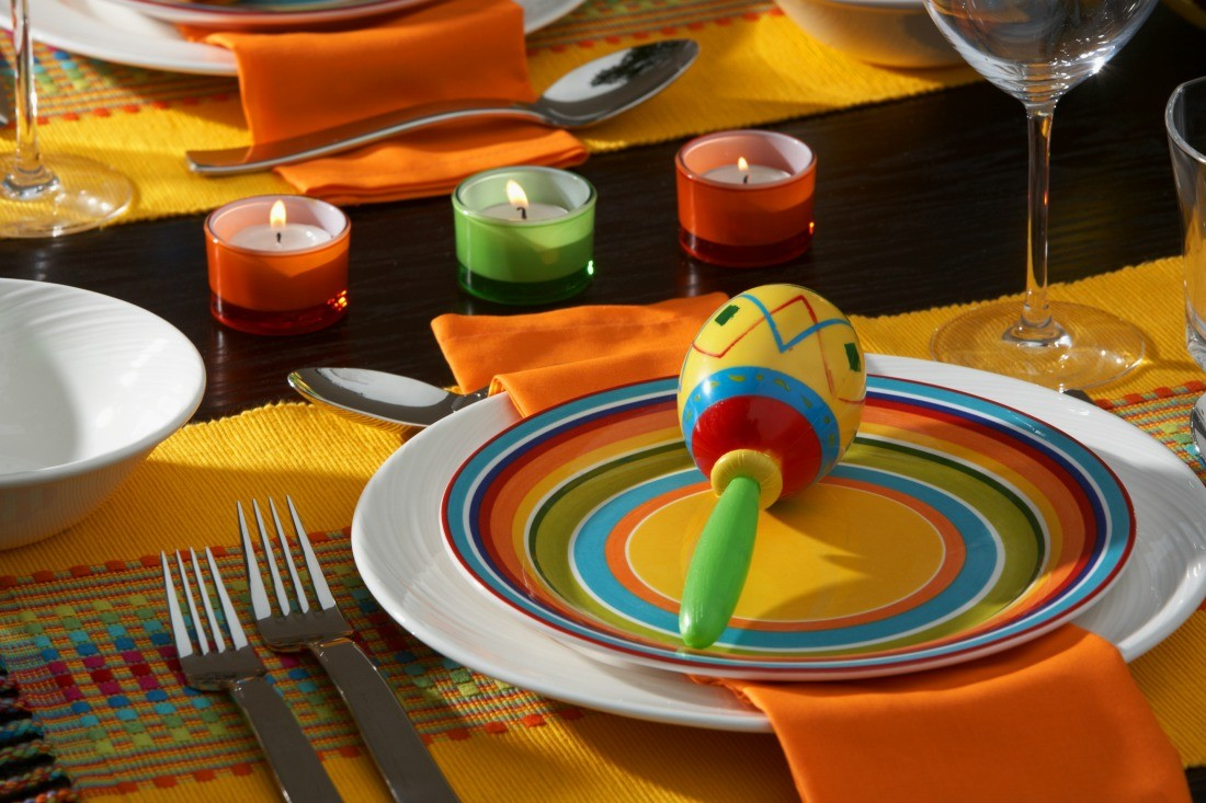 Cinco De Mayo Maracas Tablescape by Dinner4Two by Kitchen Charm