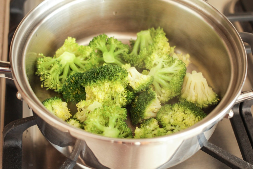 Waterless Steamed Broccoli