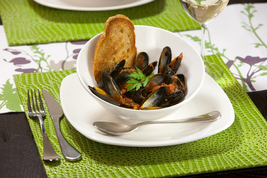 Mussels with Spicy Tomato Broth