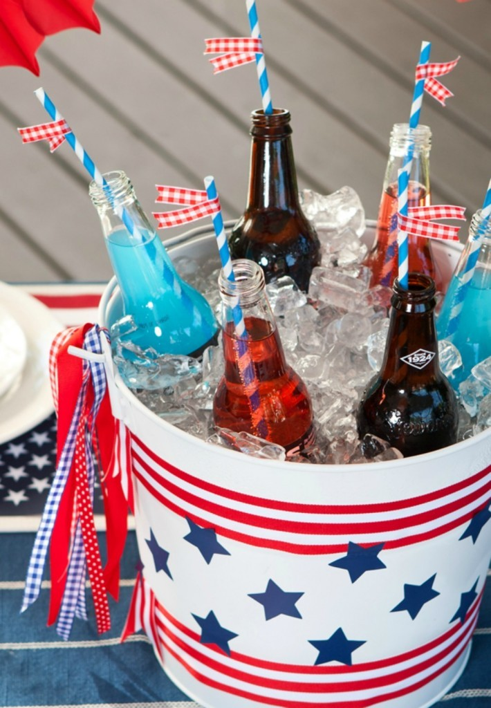 DIY 4th of July Stars and Stripes Ice Bucket