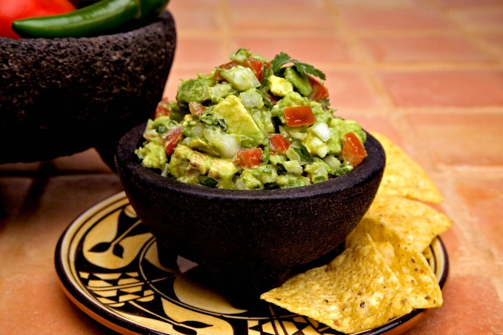 guacamole, avacados, easy guacamole recipe, Dinner4Two, Dinner4Two by Kitchen Charm, Life is delicious