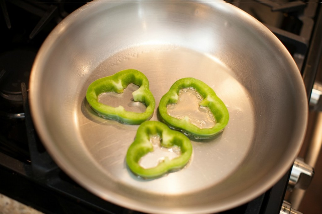 Dinner4Two-large-Gourmet-Skillet-Green- Bell-Peppers