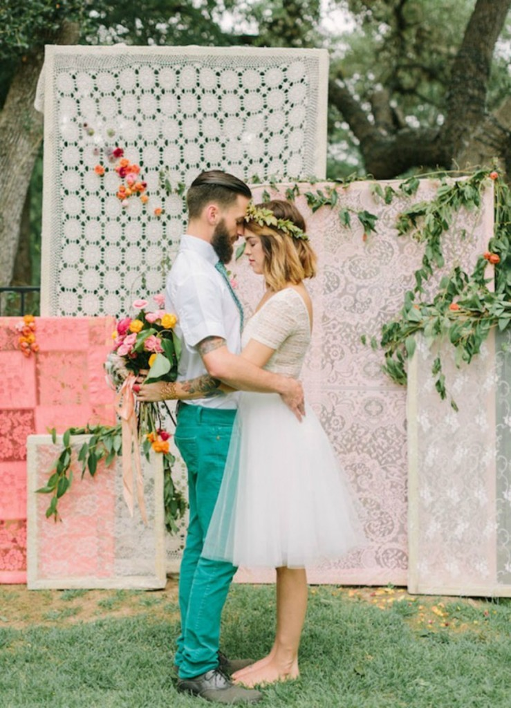 Wedding-Ceremony-backdrop-Fabric-and-lace